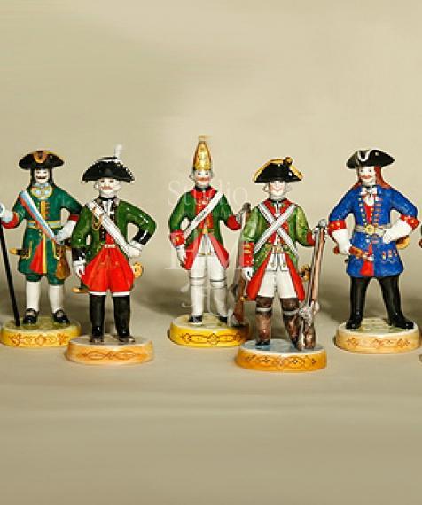статуэтка солдаты